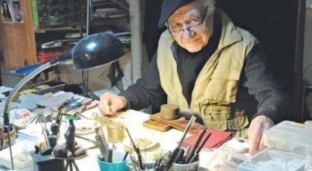 87 yaşındaki sanatçı Nurhan Acun atölyesinden çıkarılmasın!