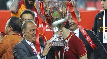Galatasaray ın kazandığı Kupa da Hakem Faciası