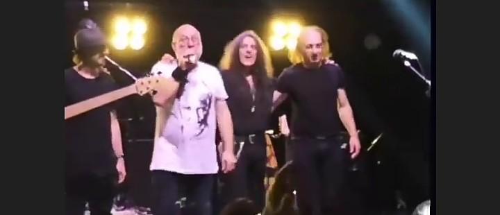 Yol Arkadasları Beyrut Performance konser2 (1)