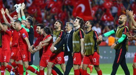 """""""Sevilen milli takım, beğenilen milli takıma evrildi"""""""