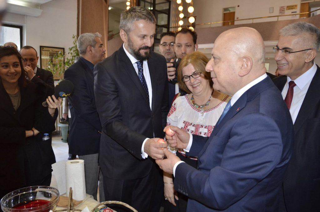 Romanya Büyükelçisi Gabriel Sopanda ve Ankara Üni.Rektörü Prof.Erkan İbiş