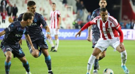 Trabzonspor inişte:2-1