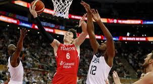 Basketçilerimiz  tarih yazıyordu :92-93