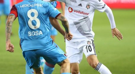 Trabzonspor Beşiktaş'ı dağıttı:4-1.