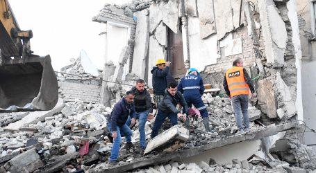 Arnavutluk'taki depremde 26 kişi öldü