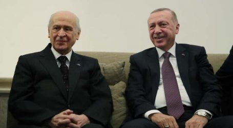 """""""Erdoğan vesayet altında"""""""
