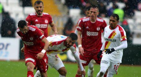 Sivasspor ilk yarıyı lider kapattı:1-0