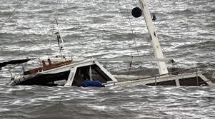 Van gölünde batan teknede 7 Göçmen öldü