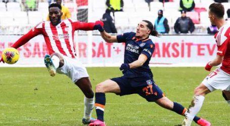 Sivasspor bir puanı zor kurtardı:1-1