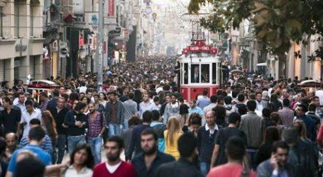"""""""Elini kolunu sallayarak """"! Beyoğlu'nda MASKESİZ GEZMEK YASAK"""