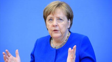 ABD Merkel'i de dinlemiş