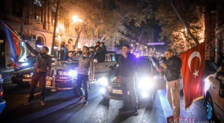 Azerbaycan da zafer COŞKUSU