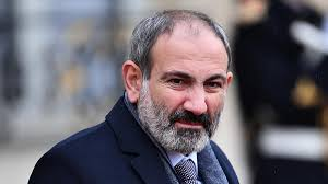 Ermenistan yenilgiyi kabul etti,Halk Parlamentoyu bastı
