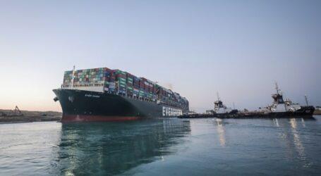 Süveyş kanalı trafiğe açıldı