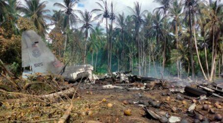 Filipinler'de 92 kişiyi taşıyan askeri uçak düştü